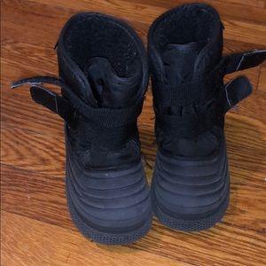 Kids Lugz snow boots
